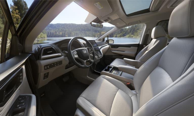 2020 Honda Odyssey interior front view