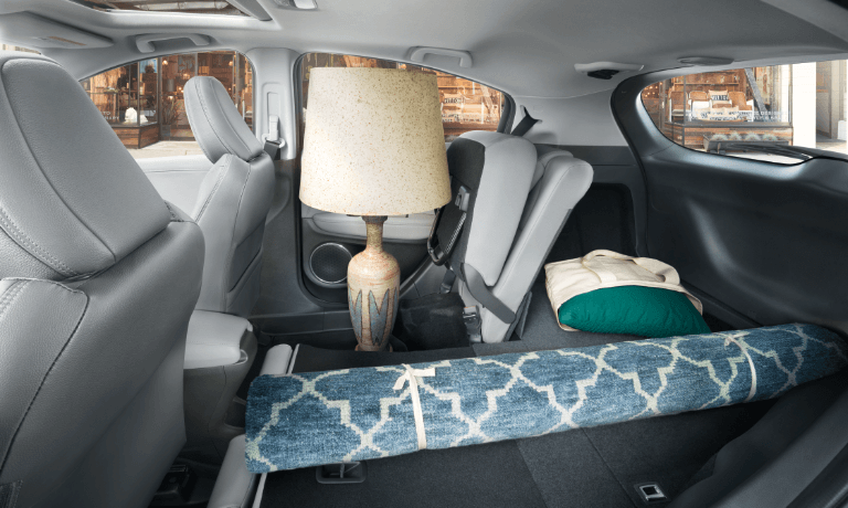 2020 Honda HR-V interior with a lamp and rug in the back
