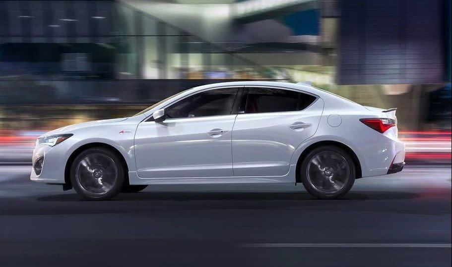Acura ILX 2019 color Platinum White Pearl con paquetes A-Spec® y Tecnológico