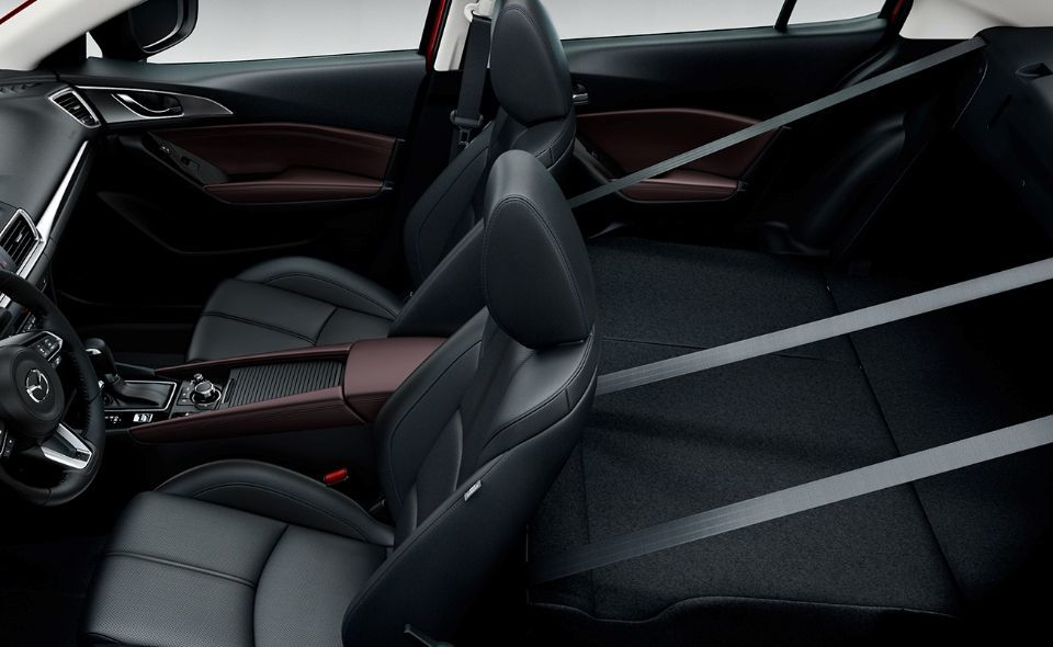 Flexible Cargo Space in the Mazda3 Hatchback