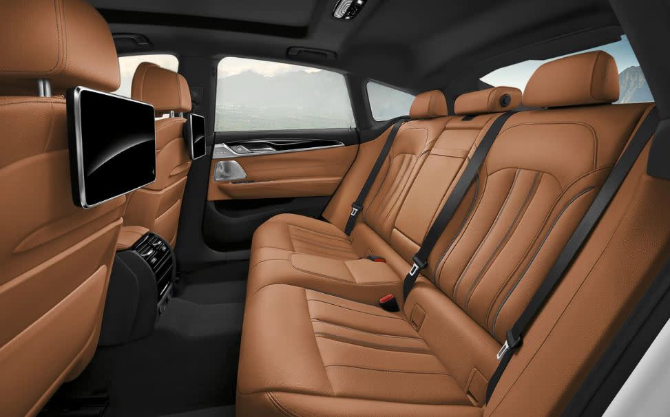 Relax in Spacious Interior of the 2018 BMW 6 Series!