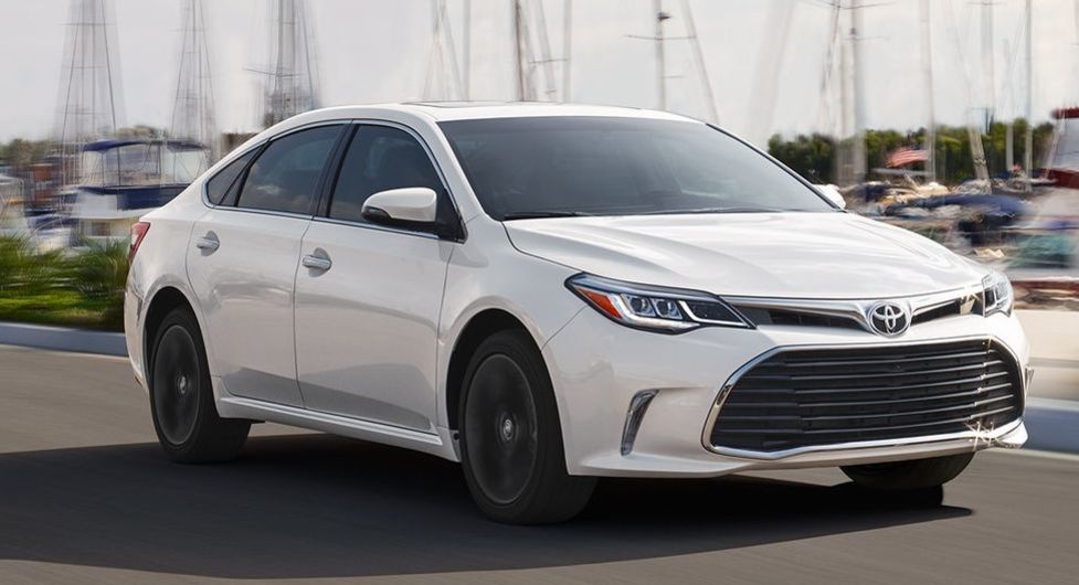 2018 Toyota Avalon Hybrid for Sale near Overland Park, KS