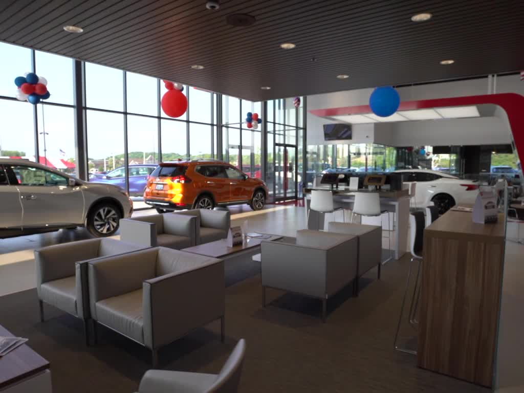 Nissan Dealers In Wisconsin >> Nissan Dealer West Bend Wi New Used Cars For Sale Near